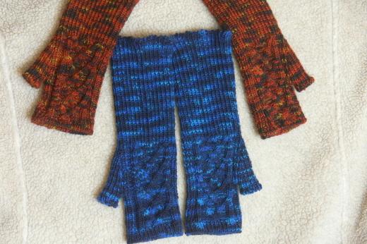 Handstulpen blau und rotbraun
