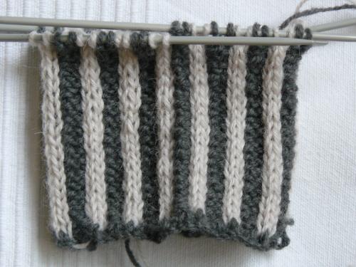 Handschuhe01-angestrickt-detail