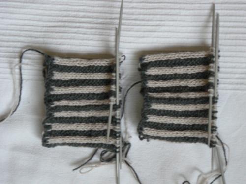Handschuhe01-angestrickt